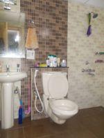 13J7U00023: Bathroom 1