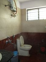 13J1U00173: Bathroom 2