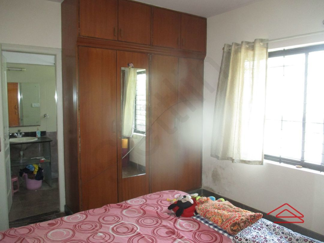13J1U00173: Bedroom 1