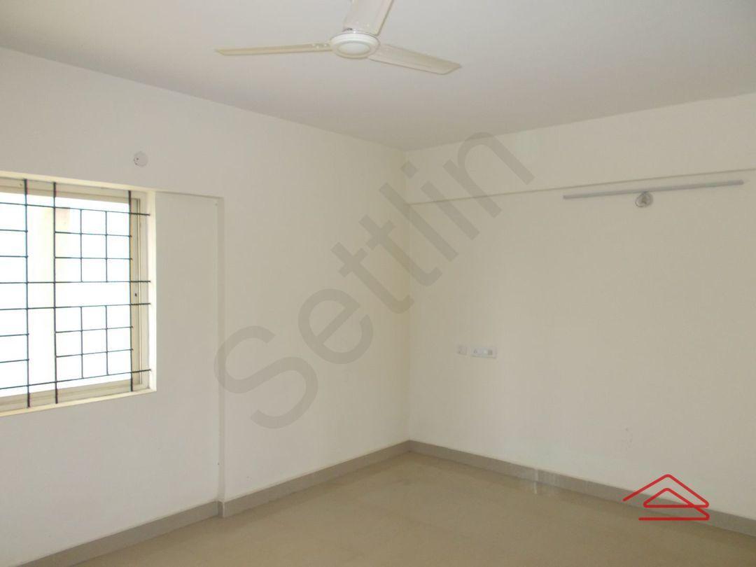 13J1U00247: Bedroom 1