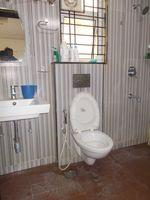 13F2U00335: Bathroom 2