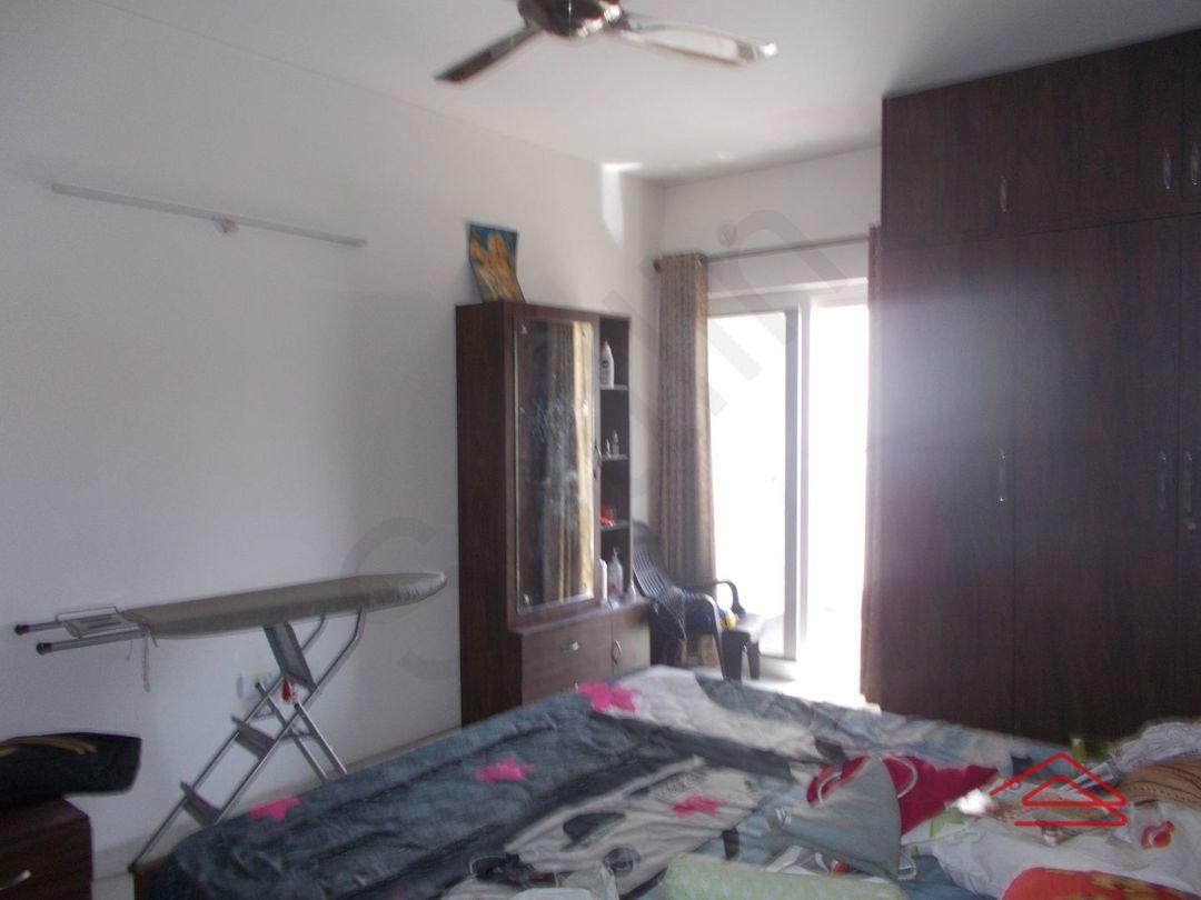 13F2U00335: Bedroom 1