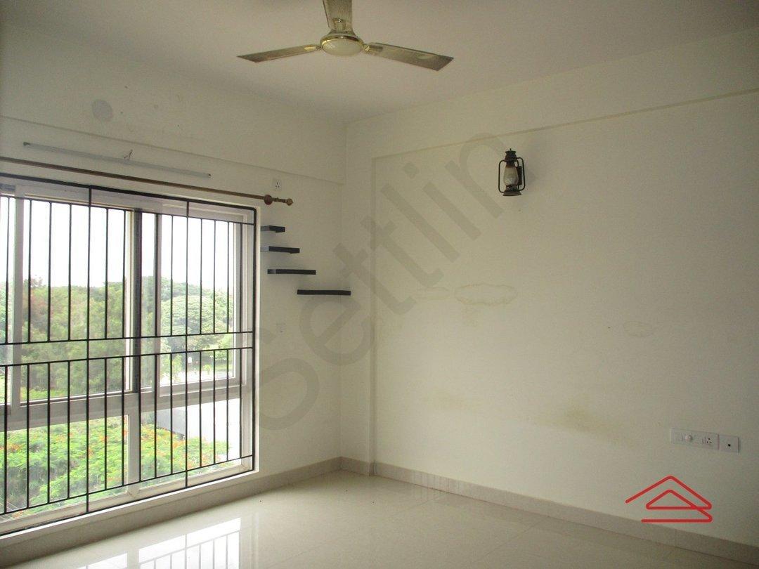 14M3U00215: Bedroom 1