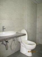 15S9U00913: Bathroom 2