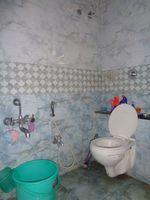 12A8U00040: Bathroom 1