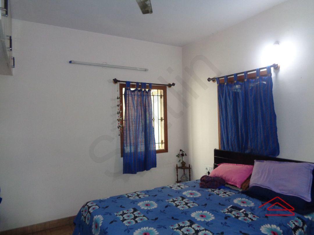 12A8U00040: Bedroom 1