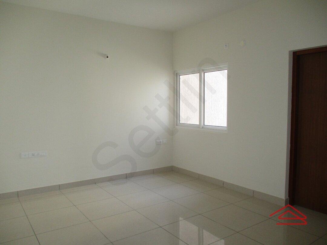 15J1U00084: Bedroom 1
