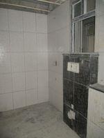 11NBU00392: Bathroom 3