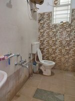 15J1U00166: Bathroom 1
