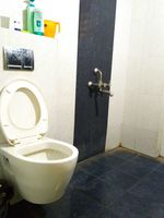 12J7U00103: Bathroom 2