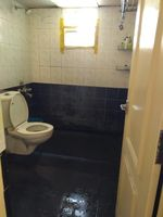 13J6U00233: Bathroom 1