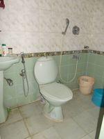 13J1U00246: Bathroom 2