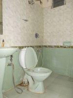 13J1U00246: Bathroom 1