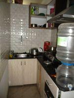 1,2: Kitchen 1