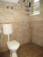 12F2U00037: Bathroom 1