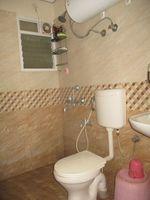 12F2U00037: Bathroom 2