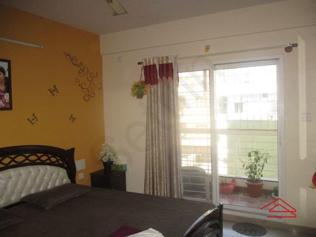 12F2U00037: Bedroom 1
