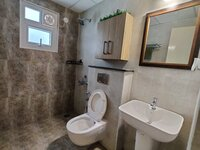 15S9U01282: Bathroom 1