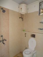 12NBU00256: Bathroom 1