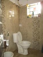 11J6U00223: Bathroom 2