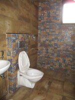 15J7U00162: Bathroom 2
