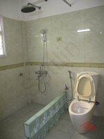 15M3U00002: Bathroom 2