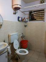 11OAU00088: Bathroom 1