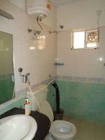 12NBU00280: Bathroom 3