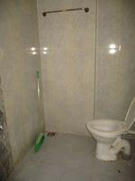 12NBU00156: Bathroom 2