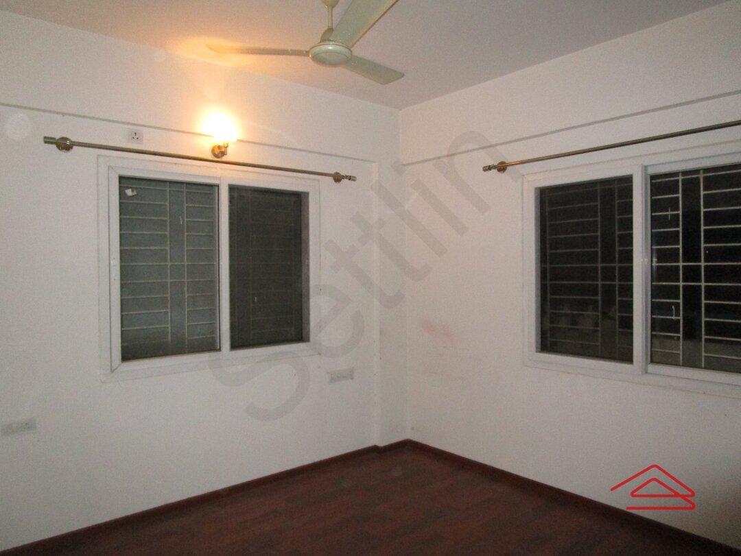14NBU00218: Bedroom 1