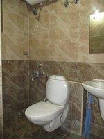 15J7U00120: Bathroom 1