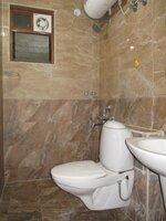 15J7U00120: Bathroom 2