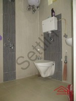 10NBU00517: Bathroom 1