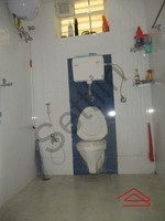 10NBU00517: Bathroom 2