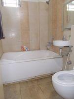 12NBU00262: Bathroom 1