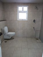 13F2U00018: Bathroom 4