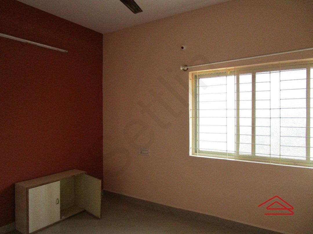 14M3U00052: Bedroom 1