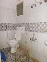 13A4U00273: Bathroom 1