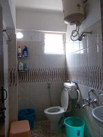 13A4U00273: Bathroom 2