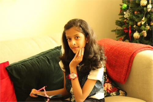 """Krishti Khandelwal """"The Youngest Writer and the Physics Lover"""""""
