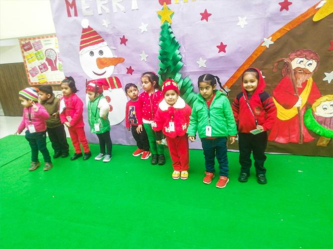 Christmas celebrations for the Pre-Primary graders of DPS Dwarka Expressway
