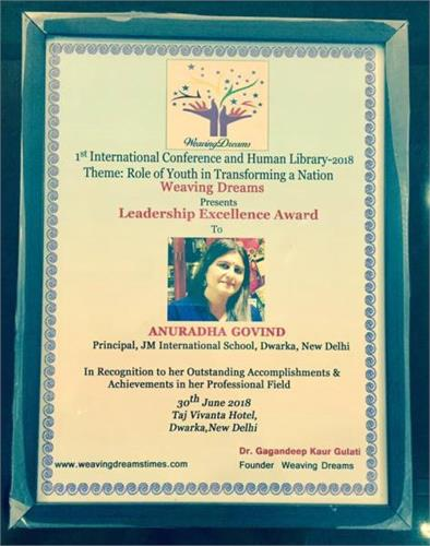 Principal MS.Anuradha Govind received `LEADERSHIP EXCELLENCE AWARD`