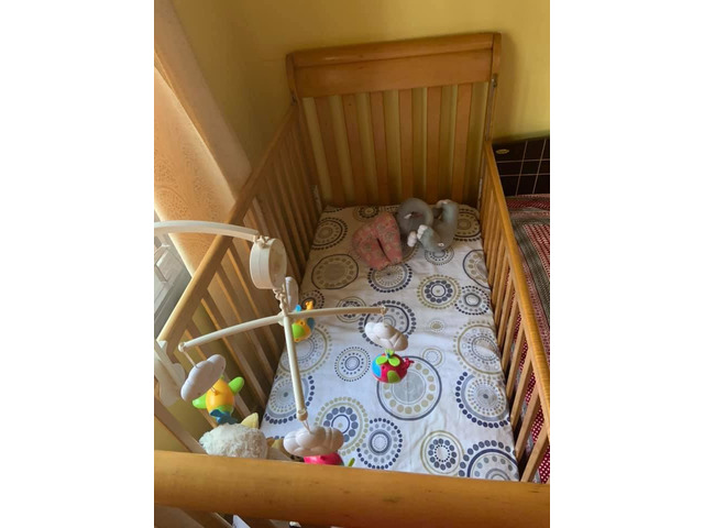 Baby cot wooden US manufactured - 1/2