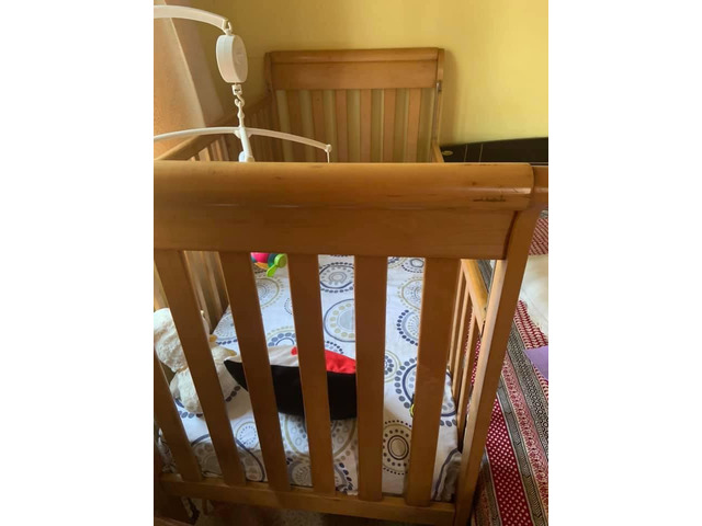 Baby cot wooden US manufactured - 2/2