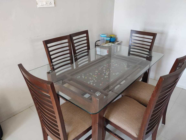 Glass Dining table set - 4/6