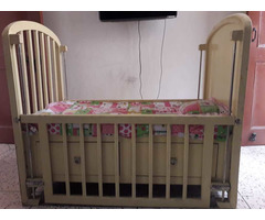 Solid wood baby cot - Image 2/10