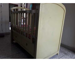 Solid wood baby cot - Image 3/10