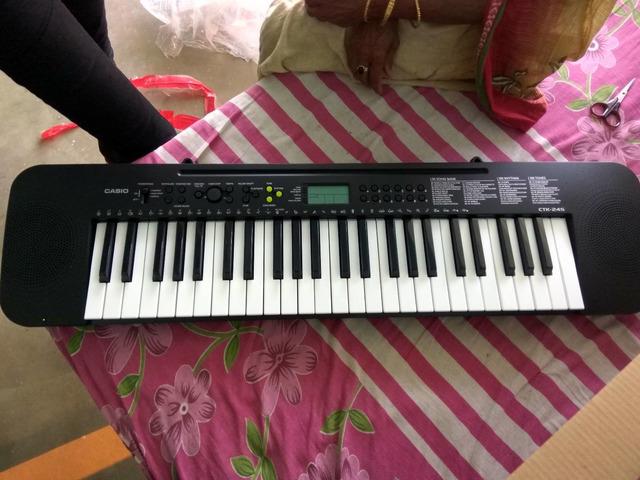 Casio Electronic Keyboard 1 year old @ ₹2000 - 2/2