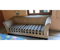 Comfortable 5 seater sofa set with cushions in good condition. - Image 3/4