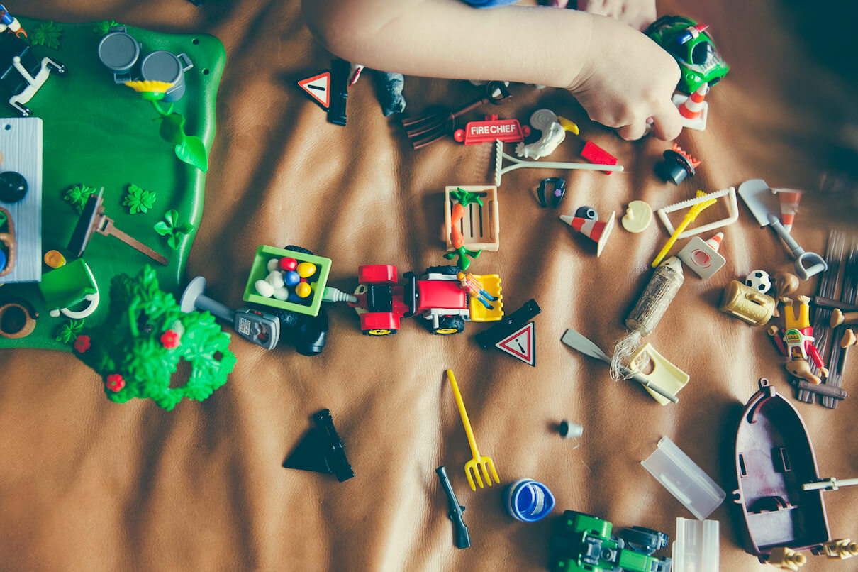 Clutter of toys